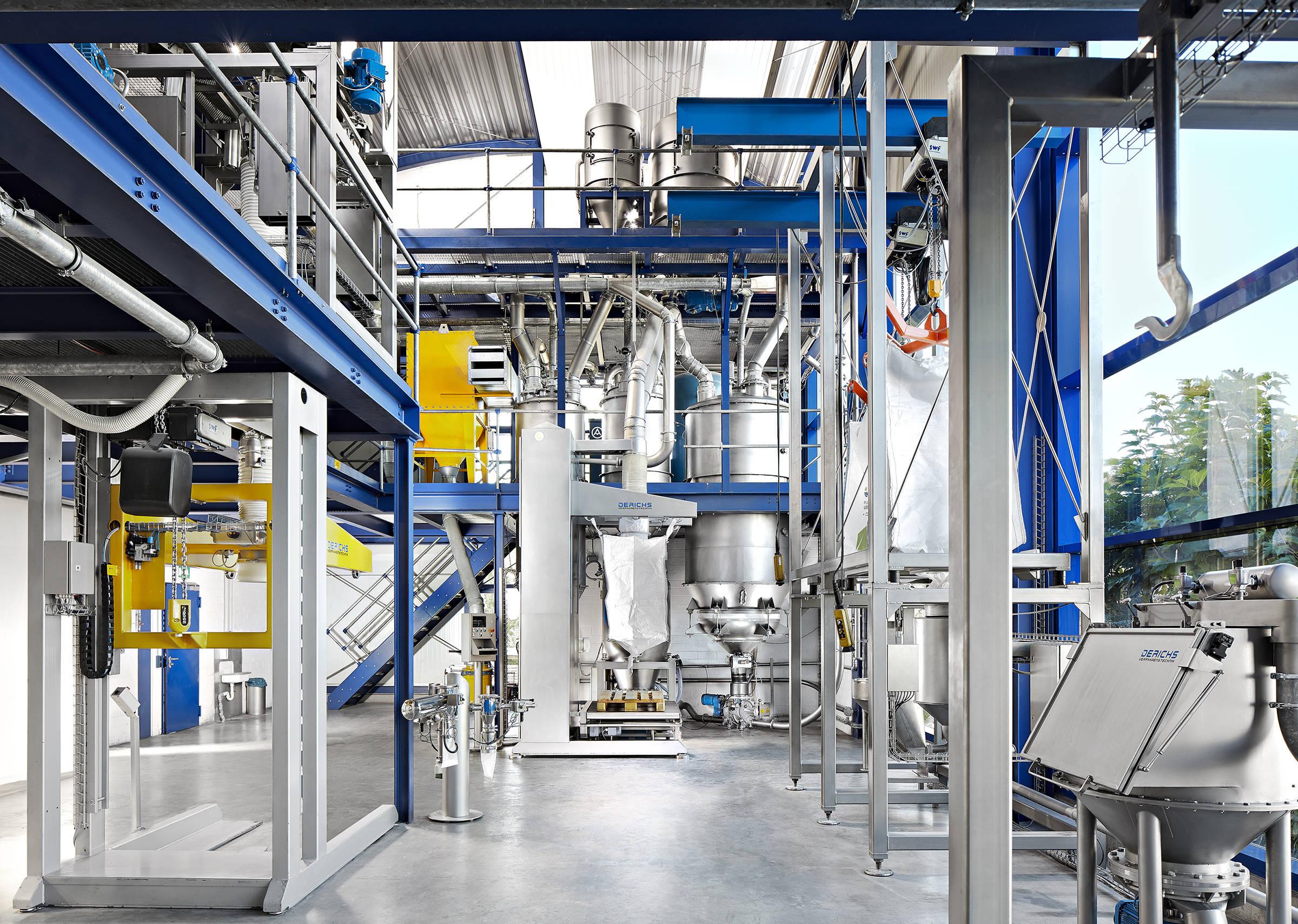 Technikum der Derichs GmbH Verfahrenstechnik. Hier können Sie neue Prozesse und Produkte unabhängig von Ihren eigenen Produktionsabläufen individuell in unseren dafür speziell eingerichteten Technikum zu testen.